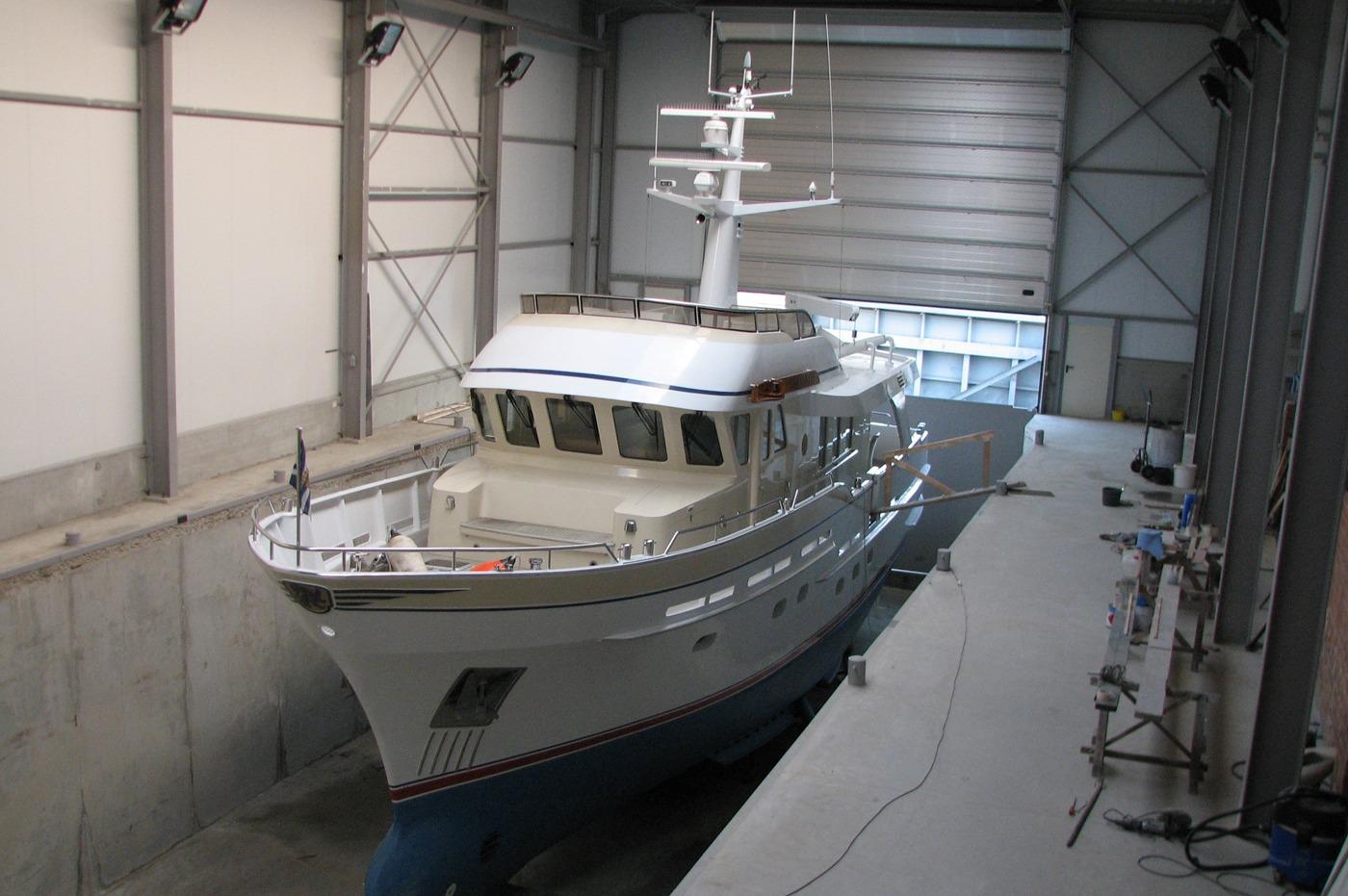 yacht 09